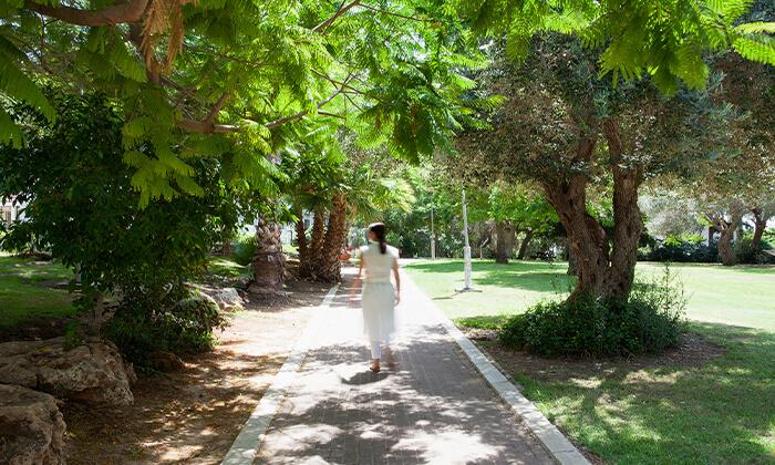 4 חופשה זוגית במלון עדן אין Eden Inn בזכרון יעקב, אופציה לעיסוי