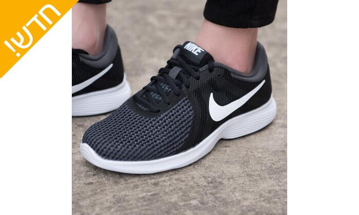 5 נעלי ספורט לנשים נייקי Nike דגםRevolution בצבע שחור