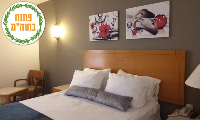 4 ספטמבר-אוקטובר באילת: לילה במלון בי קלאב, גם בחגים