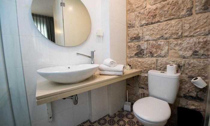 """7 חופשה בירושלים: לילה במלון ג'רוזלם אין מרשת מלונות SMART, גם בסופ""""ש"""