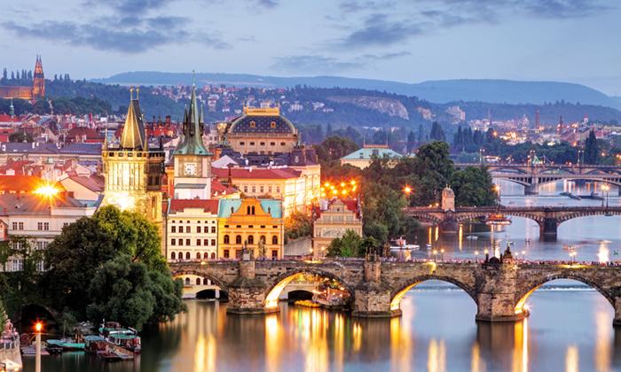 """12 אוקטובר בפראג: 3-5 לילות עם העברות ומלון 5 כוכבים ע""""ב לינה וארוחת בוקר"""