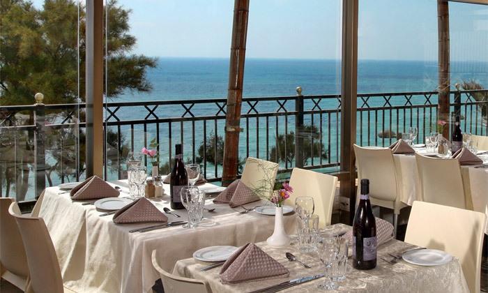 4 אוקטובר מול הים במלון העונות, נתניה