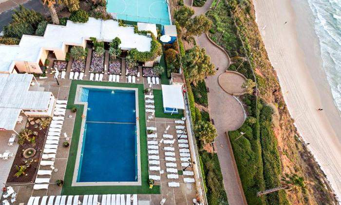 12 אוקטובר מול הים במלון העונות, נתניה