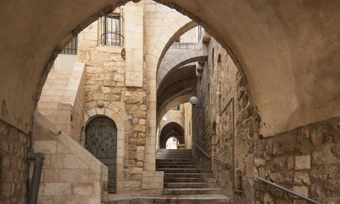3 סיור מאפיות לילי בשכונות החרדיות ובמאה שערים בירושלים