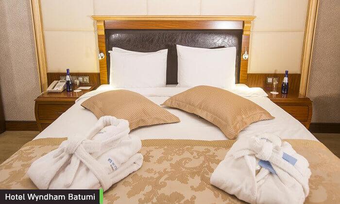 5 ספטמבר בבטומי, גאורגיה: 2-7 לילות במלון 5 כוכבים עם קזינו וספא, טיסות ישירות והעברות, גם בחגים
