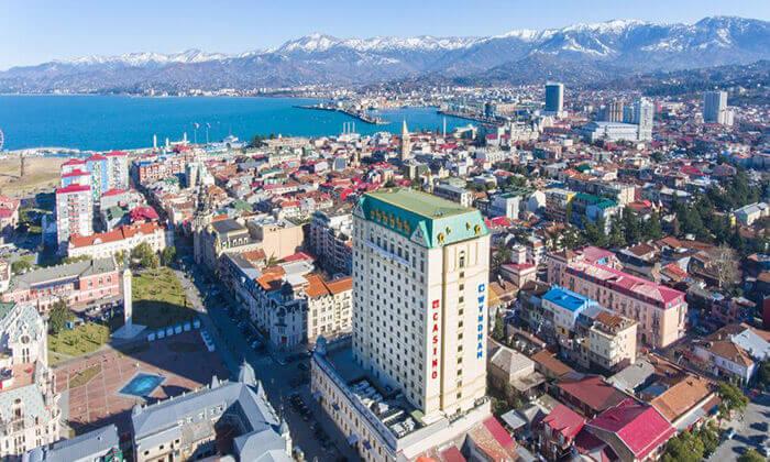 2 ספטמבר בבטומי, גאורגיה: 2-7 לילות במלון 5 כוכבים עם קזינו וספא, טיסות ישירות והעברות, גם בחגים