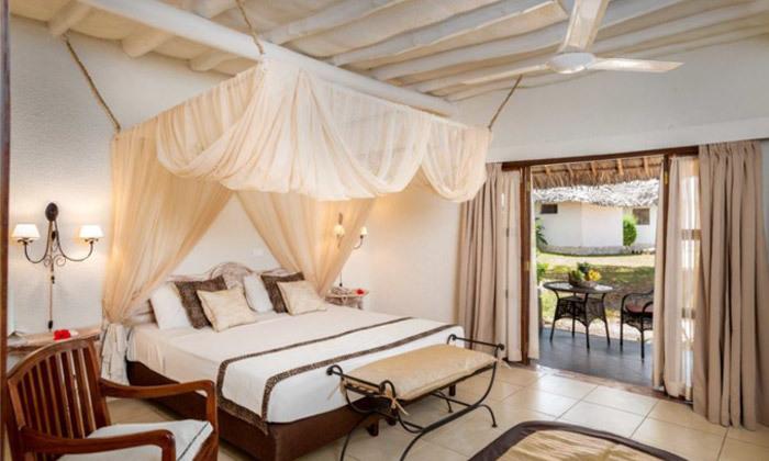 """12 חופשת החלומות בזנזיבר: 6/7 לילות במלון 5 כוכבים Karafuu ע""""ב הכל כלול, כולל העברות, גם בסוכות"""