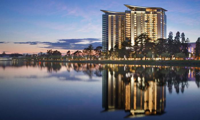 3 נופש בבטומי: 3/4 לילות במלון 5 כוכבים Hilton, טיסות ישירות והעברות