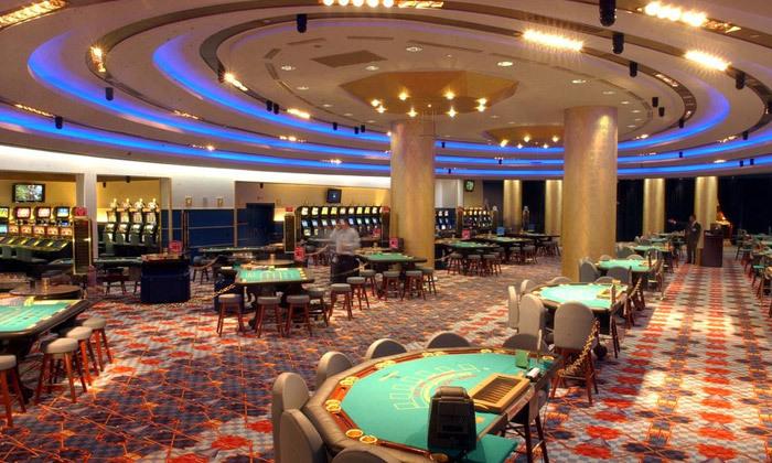 """17 אוקטובר במלון 5* Club Hotel Casino, לוטרקי: 3 לילות במלון 5* ע""""ב חצי פנסיון עם קזינו, טיסות ישירות והעברות"""