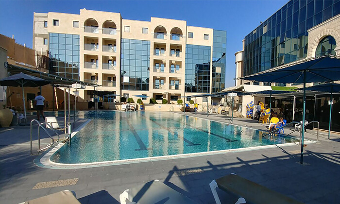 """2 אוקטובר באילת: חופשה במלון המרכזי סנטרל פארק, אופציה לסופ""""ש הקרוב"""