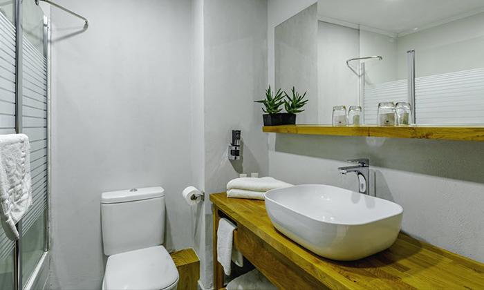 """11 חופשת אוקטובר במלון דייז טבריה Dys המחודש, אופציה לסופ""""ש"""