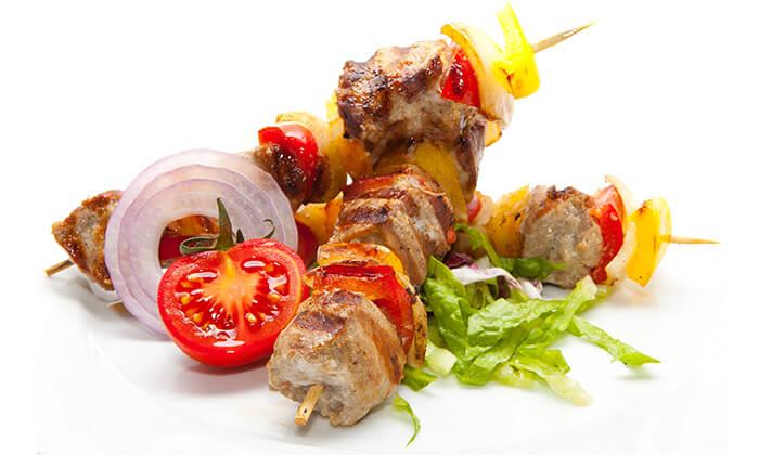 4 אוכל מוכן במסעדת טעים בכרם הכשרה למהדרין