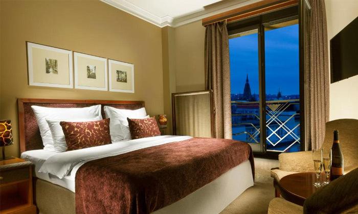 5 אוקטובר-דצמבר בפראג: טיסות ישירות ו-3 לילות במלון קזינו 5 כוכבים, כולל כריסמס