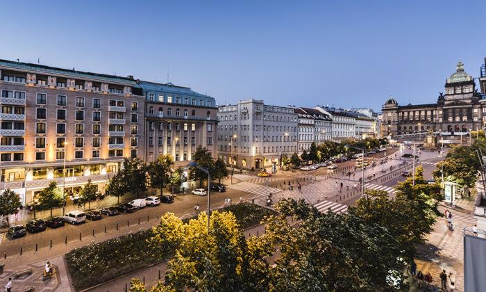 2 אוקטובר-דצמבר בפראג: טיסות ישירות ו-3 לילות במלון קזינו 5 כוכבים, כולל כריסמס