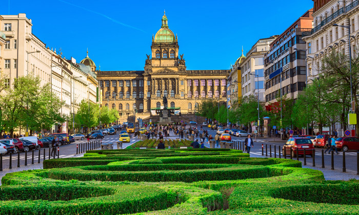 """5 נופשים בפראג: 3-5 לילות במלון בוטיק מרכזי, טיסות ישירות כולל כבודה - אופציה לסופ""""ש וחנוכה"""