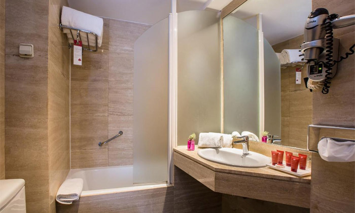 4 חורף חלומי במדריד: טיסות ישירות ו-4/5 לילות במלון Leonardo, גם בחנוכה ובכריסמס