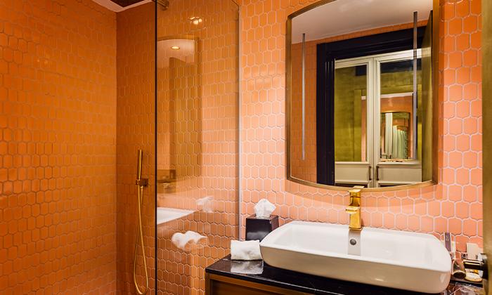 6 חופשה זוגית עם עיסוי ובריכה מחוממת במלון הבוטיק BoBo מרשת בראון, תל אביב