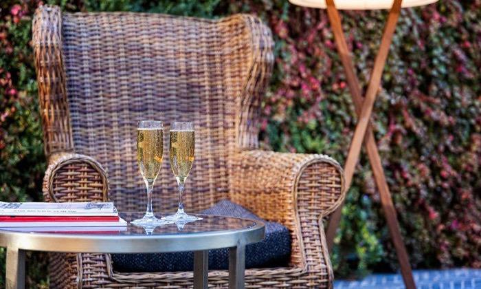 7 חופשה זוגית עם עיסוי ובריכה מחוממת במלון הבוטיק BoBo מרשת בראון, תל אביב