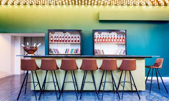 8 חופשה זוגית עם עיסוי ובריכה מחוממת במלון הבוטיק BoBo מרשת בראון, תל אביב