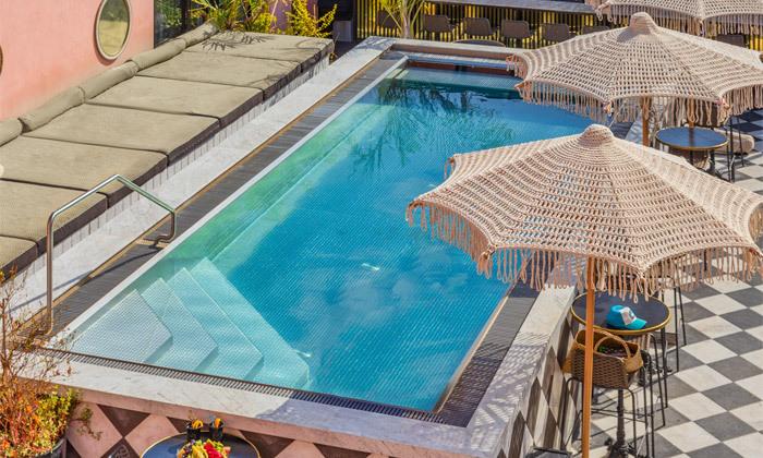 13 חופשה זוגית עם עיסוי ובריכה מחוממת במלון הבוטיק BoBo מרשת בראון, תל אביב