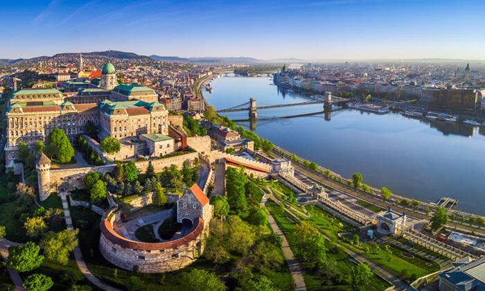 """4 חופשה על נהר הדנובה: טיסות לבודפשט ו- 4 לילות במלון לבחירה ע""""ב לינה וארוחת בוקר"""