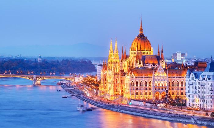 """2 חופשה על נהר הדנובה: טיסות לבודפשט ו- 4 לילות במלון לבחירה ע""""ב לינה וארוחת בוקר"""