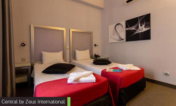 5 ניקוס ורטיס בבוקרשט: טיסות ישירות, 4 לילות במלון לבחירה והופעה