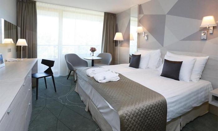 """5 להתפנק בבודפשט: 7 לילות ו-6 טיפולים במלון ספא ע""""ב חצי פנסיון עם טיסות אל על והעברות, כולל חנוכה"""