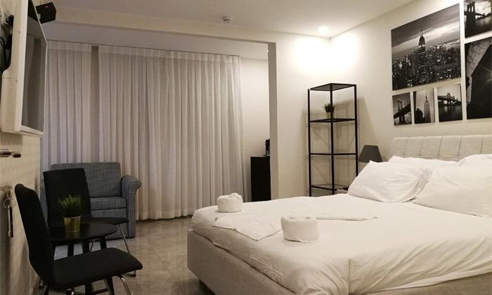 """10 נופש בכנרת: לילה לזוג במלון לאגו מרשת מלונות Smart ע""""ב ארוחת בוקר, אופציה לסופ""""ש"""