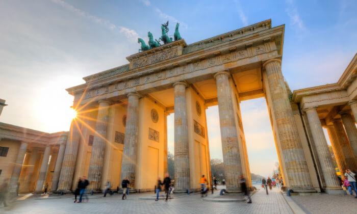 2 נובמבר בברלין: 4 לילות במלון לבחירה עם ארוחות בוקר וטיסות ישירות