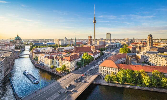 4 נובמבר בברלין: 4 לילות במלון לבחירה עם ארוחות בוקר וטיסות ישירות