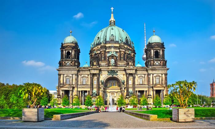 6 נובמבר בברלין: 4 לילות במלון לבחירה עם ארוחות בוקר וטיסות ישירות