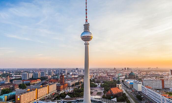 13 נובמבר בברלין: 4 לילות במלון לבחירה עם ארוחות בוקר וטיסות ישירות