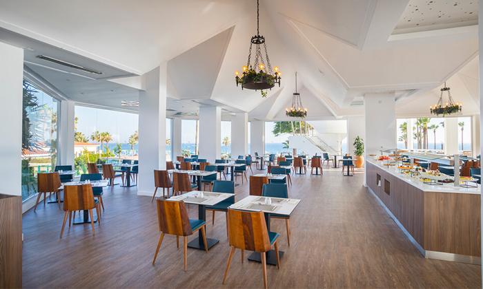 """7 סופ""""ש בפאפוס, קפריסין: טיסות ישירות ו-3 לילות במלון Leonardo, כולל חנוכה"""