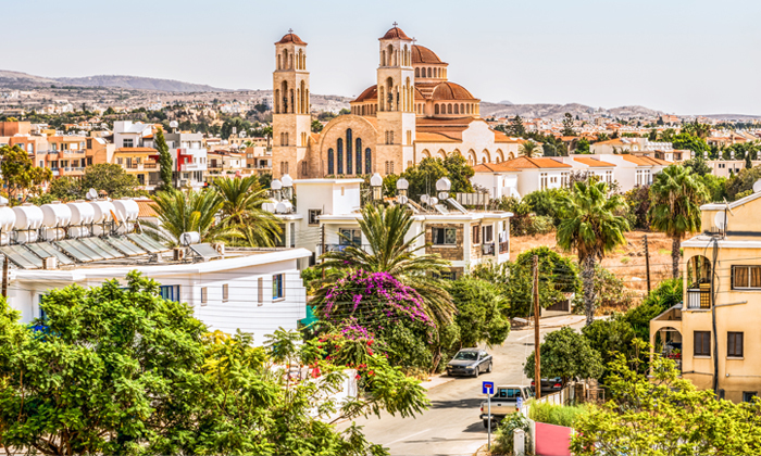 """9 סופ""""ש בפאפוס, קפריסין: טיסות ישירות ו-3 לילות במלון Leonardo, כולל חנוכה"""