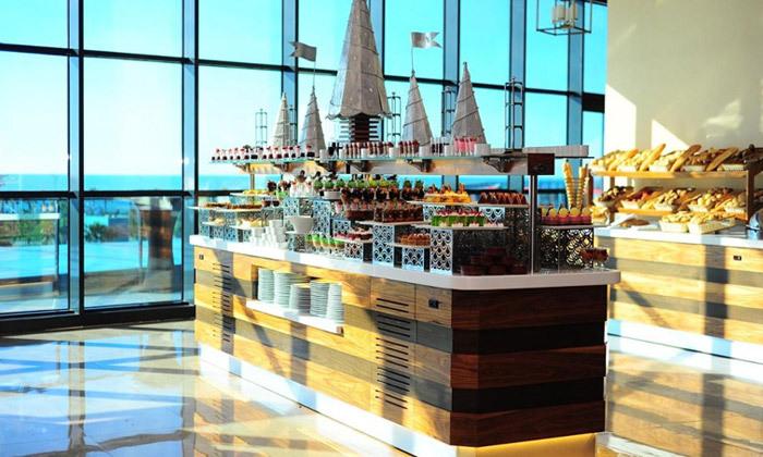 """4 חופשת 5 כוכבים בבטומי: 3-5 לילות במלון Euphoria ע""""ב חצי פנסיון עם טיסות ישירות והעברות"""