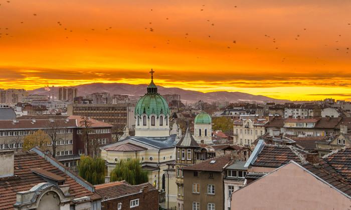 """2 סתיו של שופינג ונופים בסופיה, בולגריה: טיסות ישירות, העברות ו-3 לילות במלון לבחירה, אופציה לסופ""""ש"""