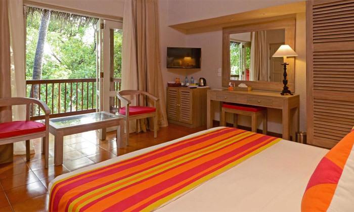 9 חופשת גן עדן במלדיביים: 7 לילות במלון לבחירה עם טיסות ישירות והעברות, גם בחנוכה