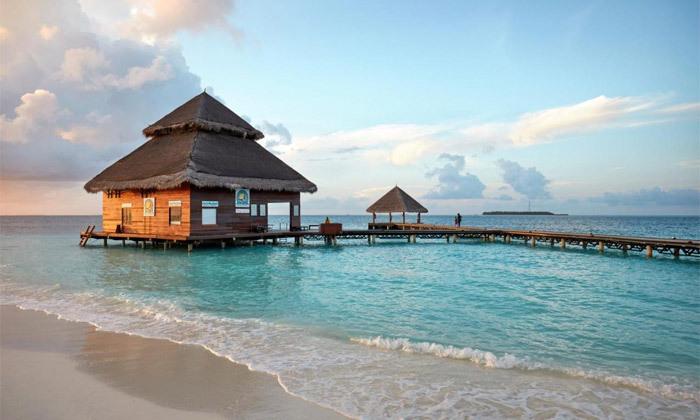 16 חופשת גן עדן במלדיביים: 7 לילות במלון לבחירה עם טיסות ישירות והעברות, גם בחנוכה