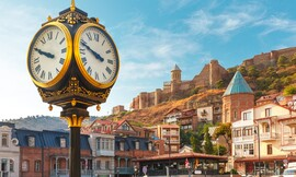 חנוכה במלון מרכזי בטביליסי