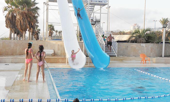 2 כניסה לפארק המים גלי ים, בחוף הדרומי של חיפה