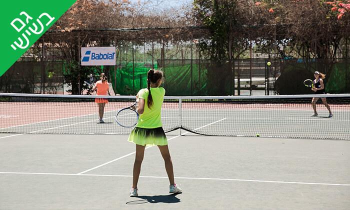 3 השכרת מגרש ושיעורי טניס בגולדן טניס, נתניה