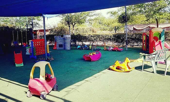 9 כניסה לפארק ארץ הצבי, חוויה לכל המשפחה סמוך להוד השרון