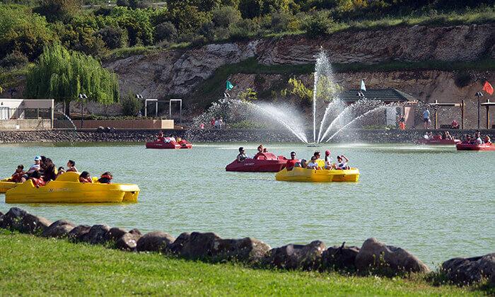 """5 סופ""""ש של קמפינג משפחתי באגם מונפורט"""