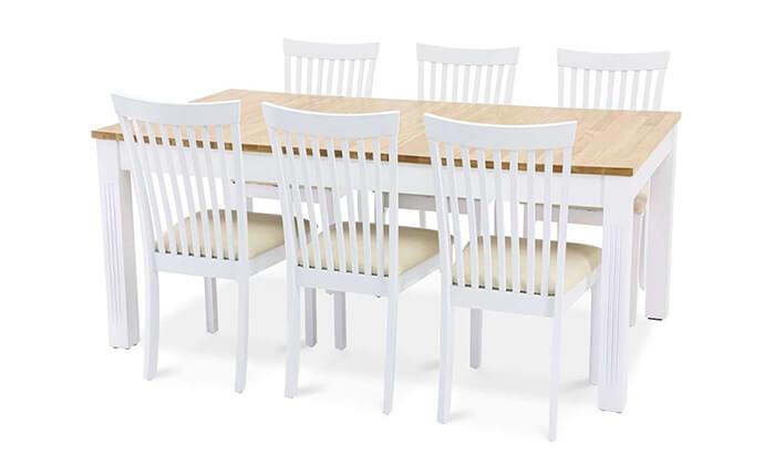 3 שמרת הזורע: פינת אוכל עם כיסאות