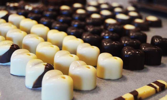 2 סדנאות שוקולד ומאפים בסטודיו דה בר, יישוב כפר חסידים ב'