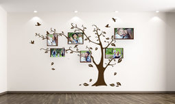 שעון או עץ עם תמונות אישיות