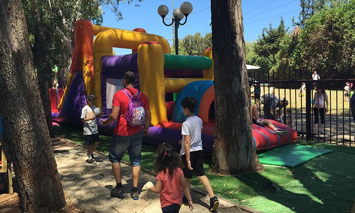 11 תיאטרון הפארק בגני יהושע - כרטיס להצגת ילדים ולמתחם האטרקציות