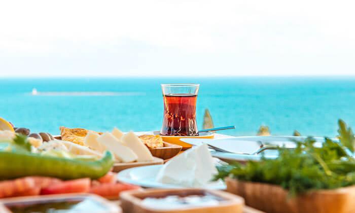 2 ארוחת בוקר במסעדת קוראל הכשרה, מלון לאונרדו חיפה