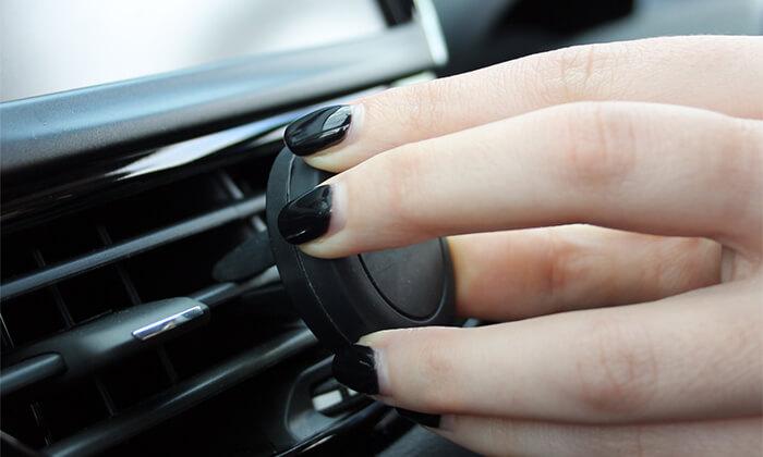 5 מעמד לטלפון הנייד ברכב